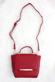 :As Seen In PEOPLE STYLEWATCH Magazine: Classic Bar Flap Convertible Messenger Handbag-Red