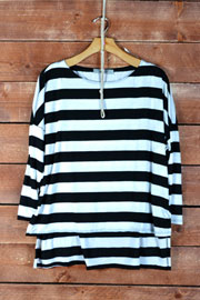 Loose 3/4 Sleeve Striped Hi Low Top-Black & White