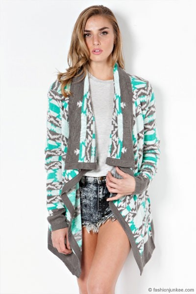 Women's Slouchy Pullover Poncho Elegant Cardigan Cape with Tribal Print $ 14 umgee USA. Umgee Women's 3/4 Sleeve Tribal Print Kimono Fringe Cardigans Tops Blouse A $ 25 99 Prime. Silver Fever Leopard Animal Print Long Versatile Scarf Wrap -Skirt, Swim Cover, Blouse, Dress. from $ 11 out of 5 stars Milumia.
