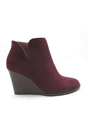 Closed Toe Notched V Cutout Wedge Booties-Burgundy Wine