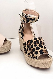 Scallop Platform Wedge Espadrille Sandals with Ankle Strap-Leopard Print