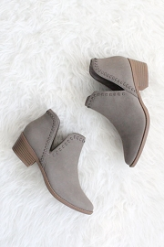Closed Toe Stitch Side Slit Booties-Grey