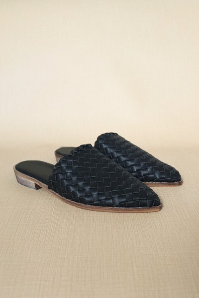 Woven Pointy Toe Closed Toe Flat Mules Slides-Black