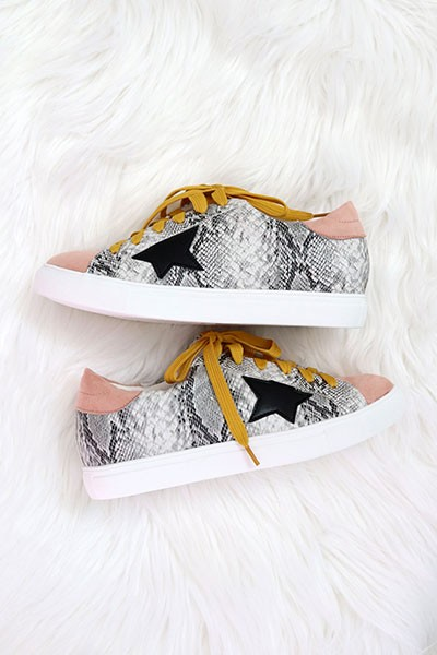Animal Snake Print Lace Up Low Top Star Sneakers-Blush Pink Snake Print
