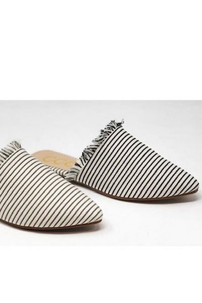 Striped Frayed Pointy Toe Closed Toe Flat Mules Sandals Slides-Black and White