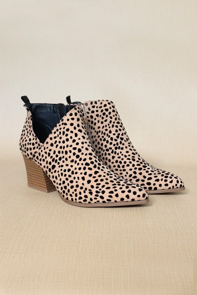 Pointy Closed Toe Side Cutout Booties-Leopard Print